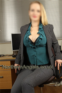 Holly Rude escort